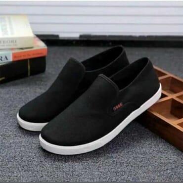 Sports 1668 Plimsoll Shoes - Black