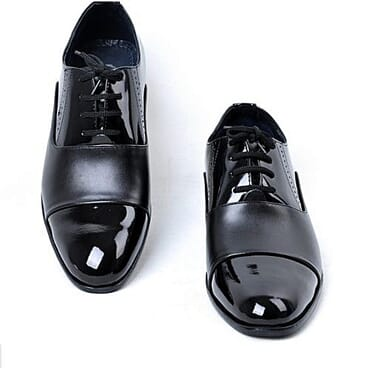 Classic men formal shoe black