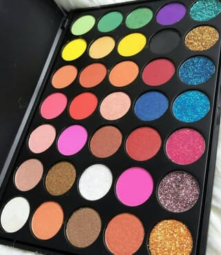 LOVE HAPPENS 35 EYESHADOW PALETTE