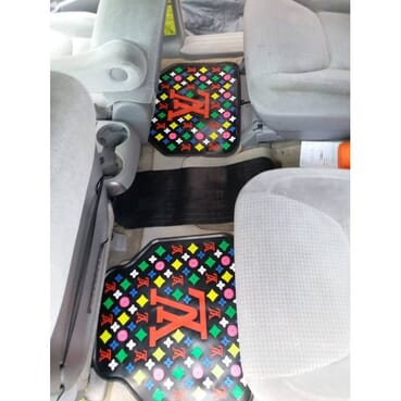 5 Pieces Of Designer Luxury All Car Foot Mat.