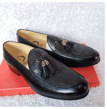 Designed Vamp Tassel Loafer Shoe + A Free Happy Socks