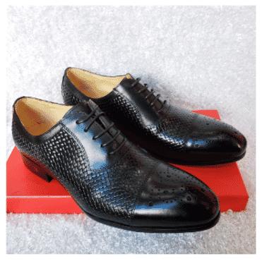 Brogues Men's Lace-up Shoe + A Free Happy Socks