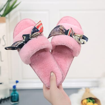 Bow-Knot Fluffy Female Indoor Slippers.