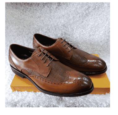 Brown Brogues Lace-up Men's Shoe + A Free Happy Socks