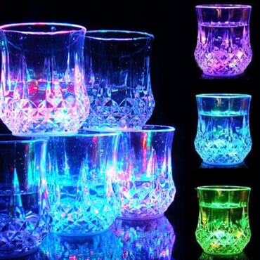LIQUID DISPLAY PARTY CUPS