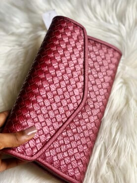 Nissiratti red leather clutch purse