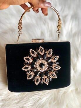 Nissiratti black stone clutch purse