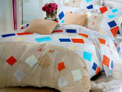 Squares Fashion Bed sheet with 2 Pillow Cases