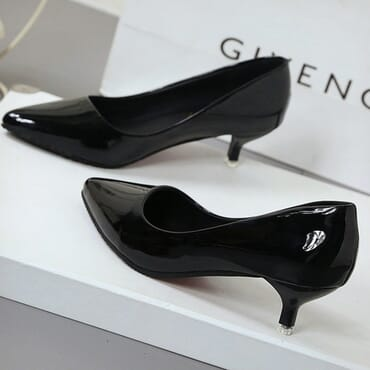 Teng & Gang pointed low  heels