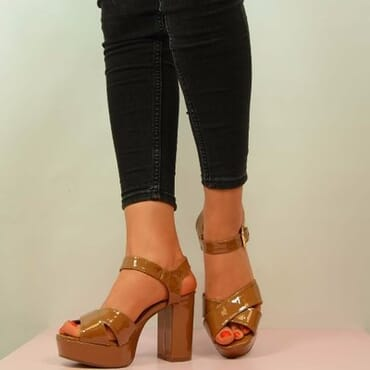 PATENT BLOCK HEEL PLATFORM SANDALS- TAN