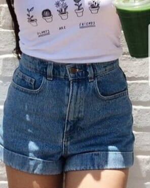 Denim Mom Shorts in Washed