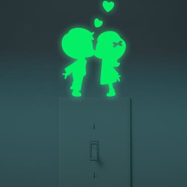 Kissing Love Luminous - Glow in the dark wall decal SC06