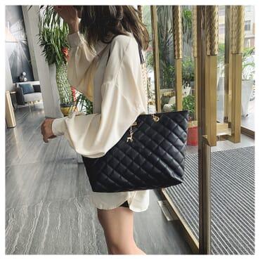 Deer Women Leather Shoulder Handbag With Chain