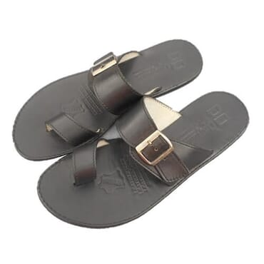 Nediva Men Toe and Buckle Leather Slippers - Black