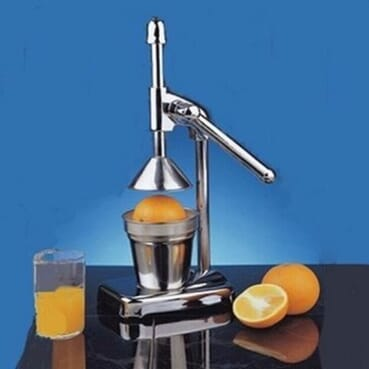 Metal juicer