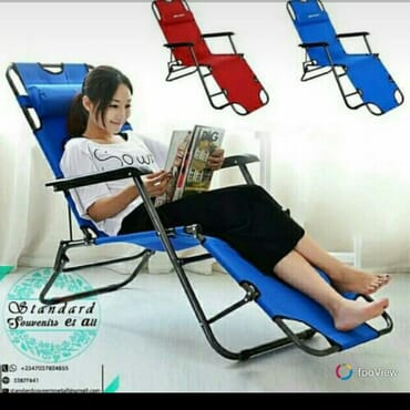 Foldable relaxing home and camp chair