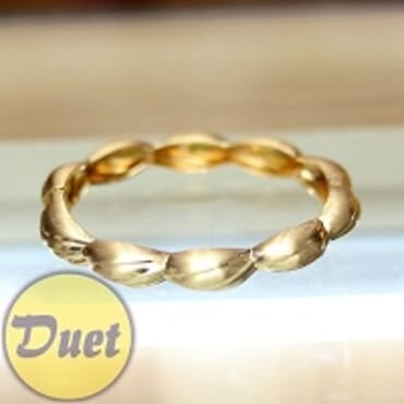 VIENNOIS GOLD FASHION BANGLE