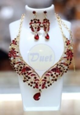 RED COLORED STONE SET
