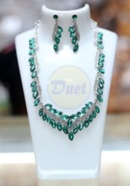 GREEN COLORED STONE SET