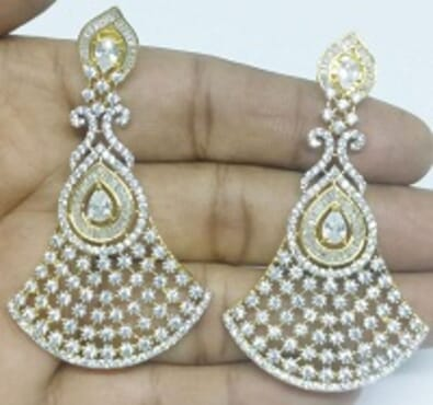 001 GOLD LUXURY STONE EARRING