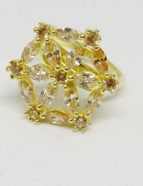 002 GOLD LUXURY STONE RING