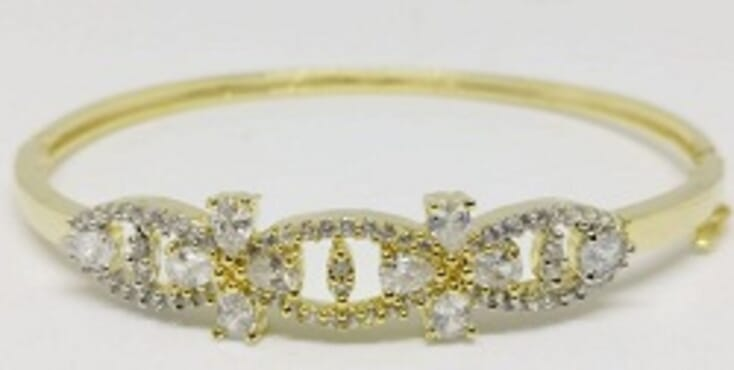 003 GOLD LUXURY STONE BANGLE