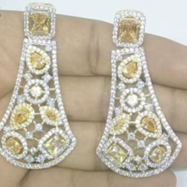 005 GOLD LUXURY STONE EARRING