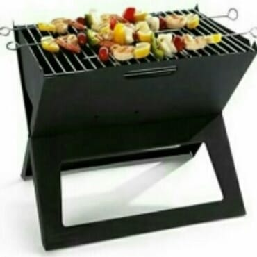 Portable bbq gril triangular stand